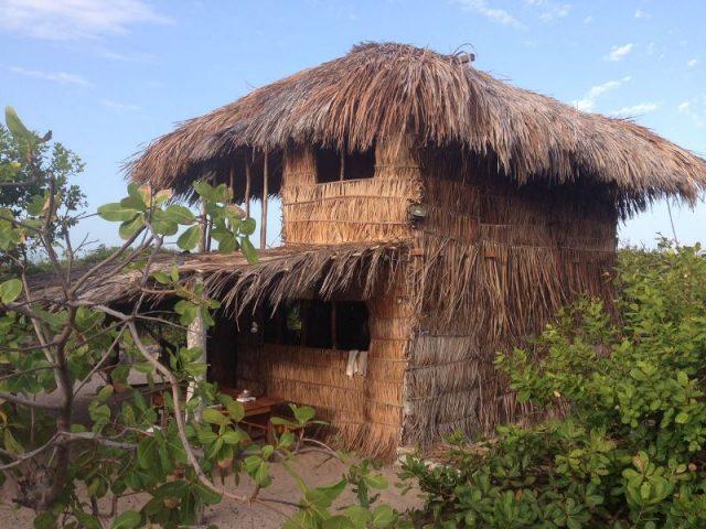 Roots Beach Camp e Hostel